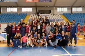 """Las """"princesas"""" de Voleibol Madrid reinan en laCopa"""