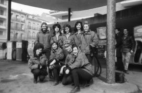 """Chamberí Siglo XX: Colas para repostar en la """"gasolinera de las chicas""""(1963)"""