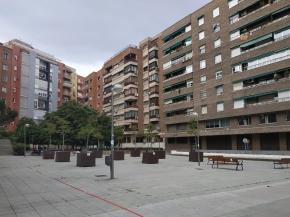 Un grupo de vecinos se moviliza para impedir la instalación de una pista de hockey en la plaza PérezPillado